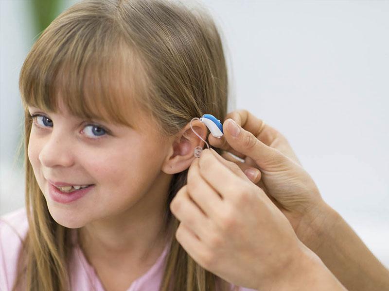 τοποθετηση ακουστικων βαρηκοιας
